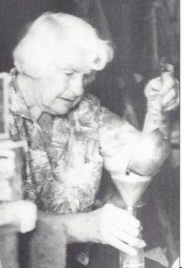 Dorothy bottling her root beer
